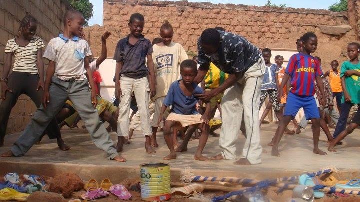 enseignement de la danse aux enfants burkinabés